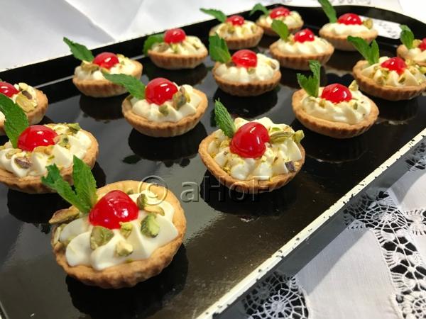 White Chocolate Mousse Tarts