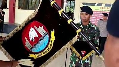 Jelang HUT Korps Brimob ke 74, Pencucian Bendera Pataka Dhuaja Satbrimobda Banten Gawe Rahayu Kerta Bener
