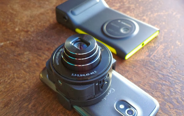 Nokia Lumia 1020 vs. Sony QX-10