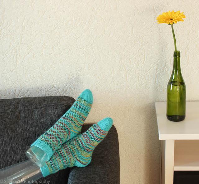 Broken seed stitch socks in Novita Nalle