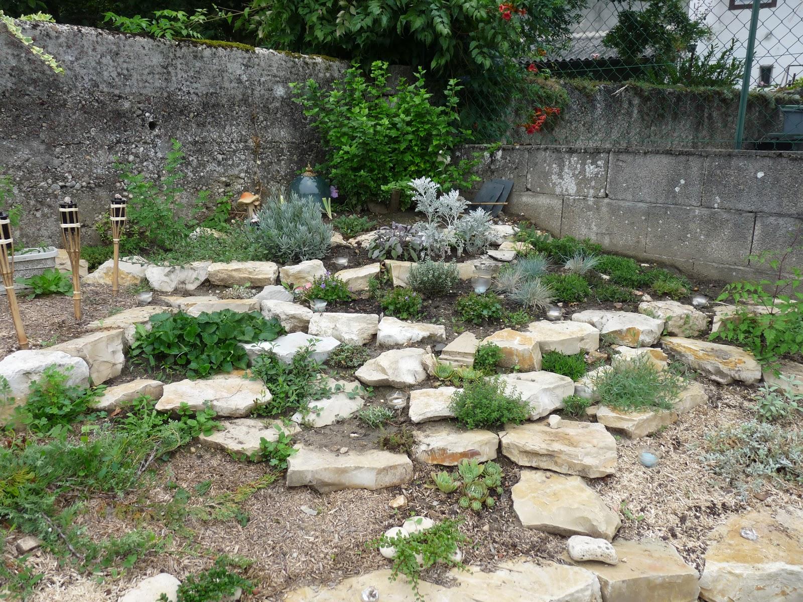 rue rivoirette jardin ma rocaille. Black Bedroom Furniture Sets. Home Design Ideas