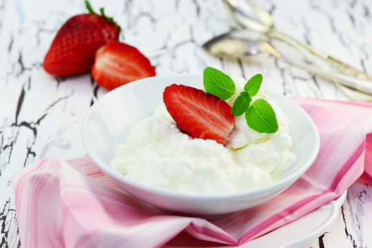 8 homemade Curd face mask for glowing skin