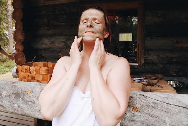 savinaamiota, saunajoogaa ja rentoutumista