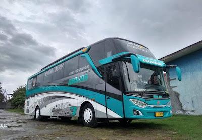 Bus Subur Jaya Challenger