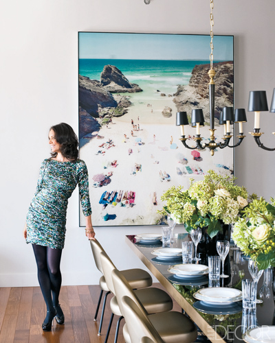 a3ae4fcb055 Last night I made a discovery that left me positively giddy. I fell in love  with the art in this dining room that I saw in Elle Decor