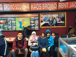 Wisata ke Gunung Bromo Saat Status Bromo Waspada