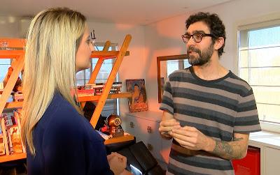 Beatriz Ferrete conversa com o tatuador Miro Dantas sobre seu trabalho com mulheres vítimas do câncer de mama - Crédito/Foto: Divulgação/RedeTV!
