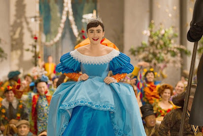 Lily Collins is Sneeuwwitje in de film Mirror Mirror.