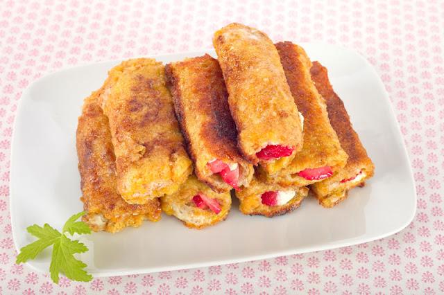 Toast- Röllchen mit Erdbeeren- French Toast Roll Up, Edyta Guhl