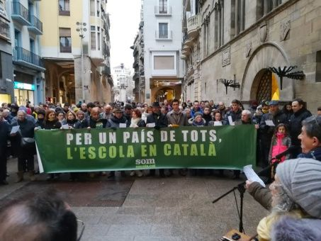 Catalanes se movilizarán para defender su modelo educativo