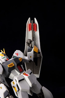 http://www.hobbyhovel.com/wp-content/uploads/2011/06/HGUC-Nu-Gundam-016.jpg