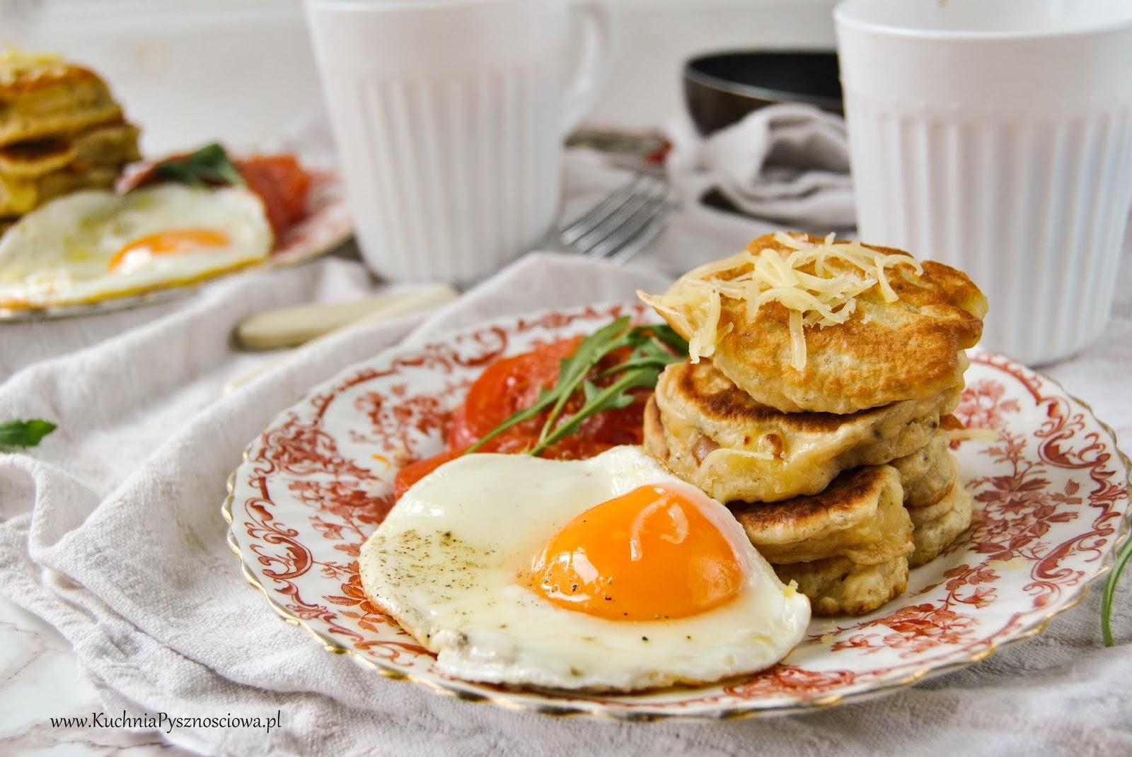 728. Wytrawne pancakes z serem cheddar i szynką