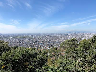 【東大阪市(府民の森・なるかわ園地)】らくらくセンターハウス(無料の駐車場)