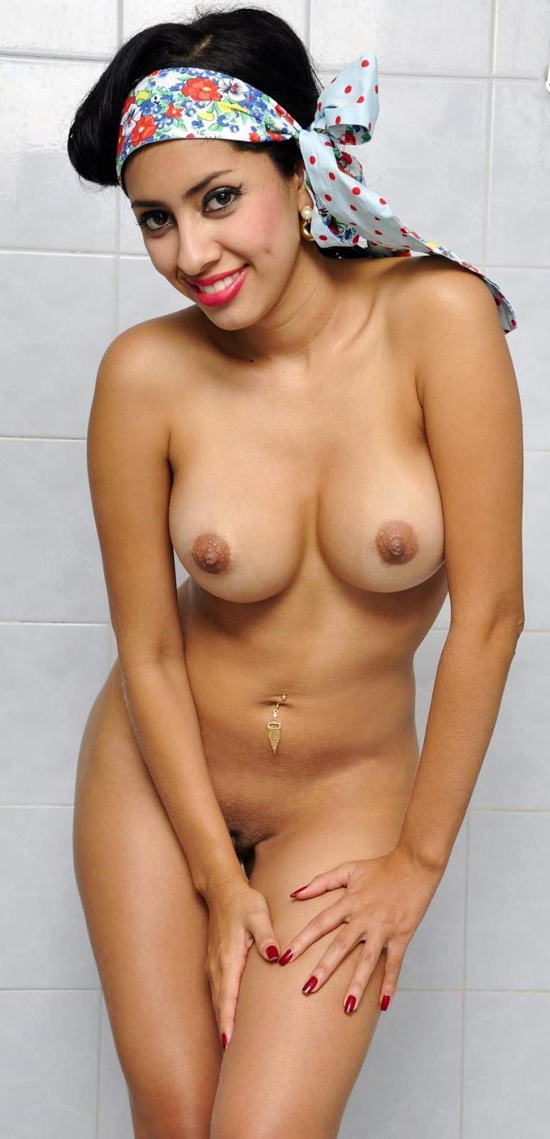 nude babe of arabia