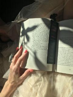 """""""Światło w środku nocy"""" Jojo Moyes w świetle dnia, fot. paratexterka ©"""