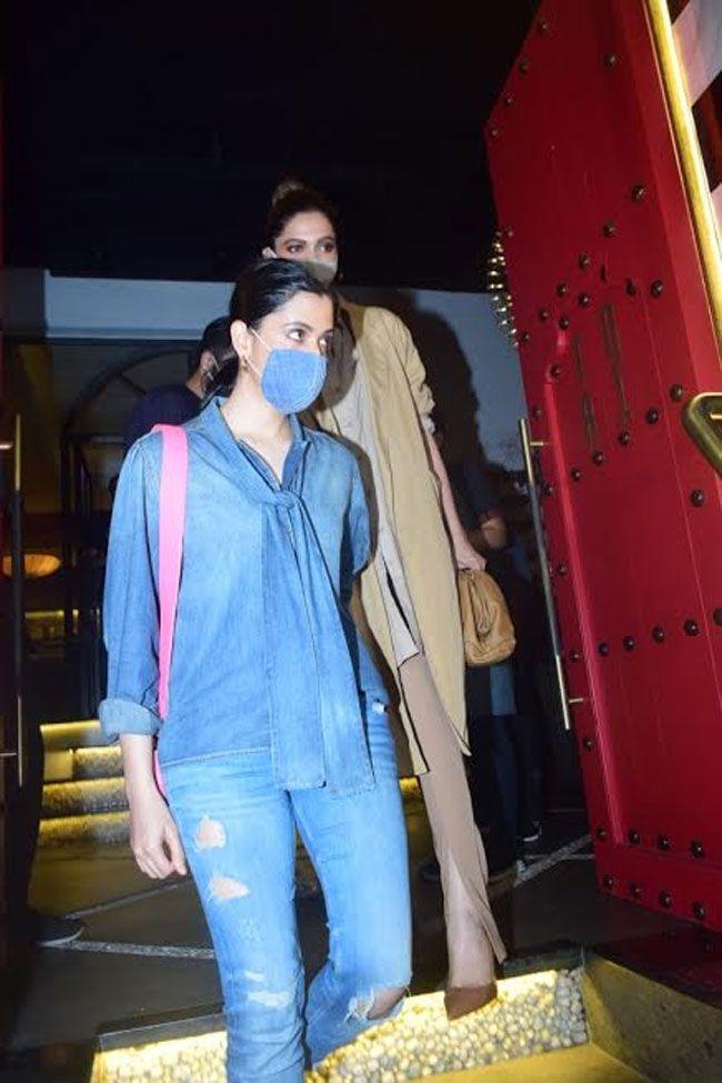 Actors Spot: Deepika Padukone Spotted At Tori In Bandra