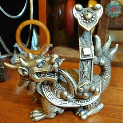 Trong phong thủy , Long Quy được coi là vật thánh linh