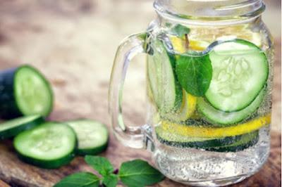 Benefits of water soaked Lemon
