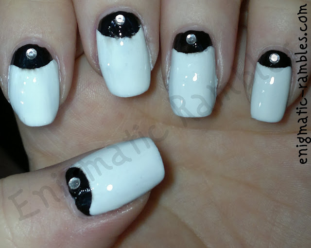 monochrome-half-moon-nails-1950s-nail-art-enigmatic-rambles