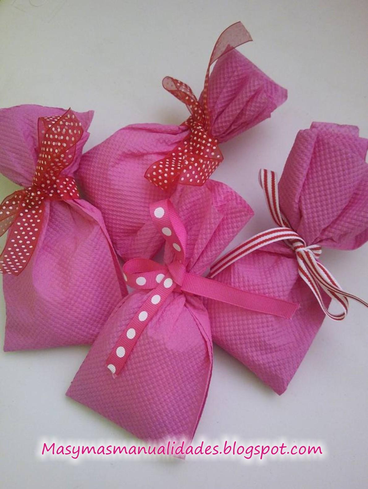 M s y m s manualidades como empacar peque os obsequios en - Origami con servilletas ...