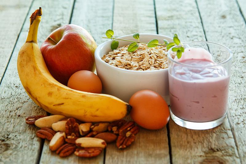 Healthy low-cholesterol breakfast