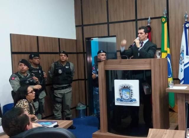 Em meio a tumulto, CMP recebe denúncia para investigar Dinaldinho e Bonifácio Rocha