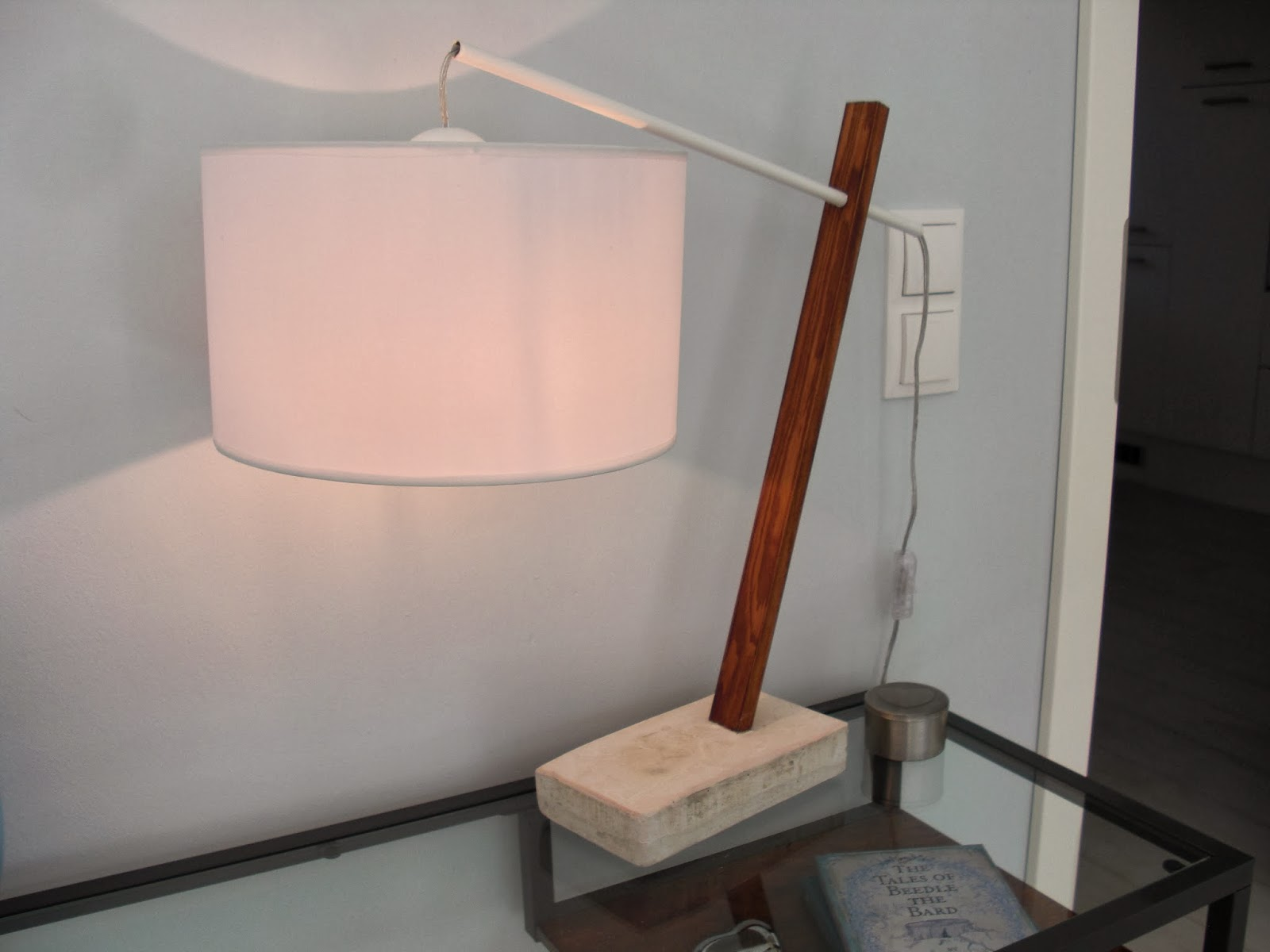 heim-elich: DIY Tischlampe mit Zement Fu / DIY table lamp