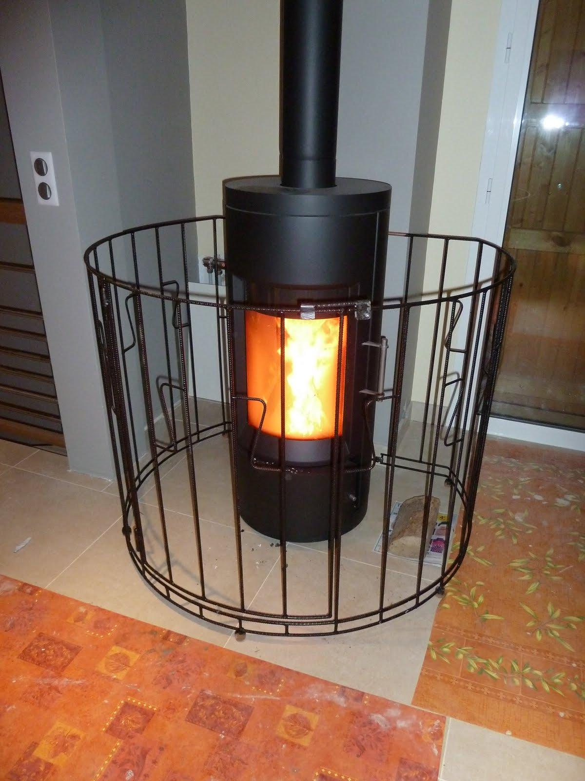 grille de protection pour poele a bois trouvez le meilleur prix sur voir avant d 39 acheter. Black Bedroom Furniture Sets. Home Design Ideas