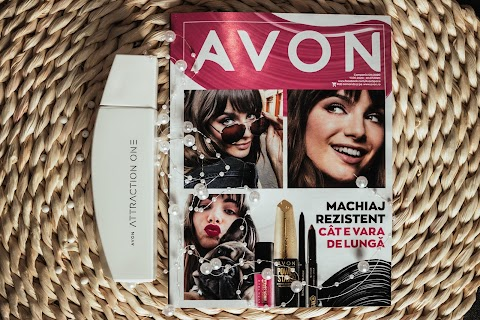 Un parfum unisex la Avon: Attraction One Fresh