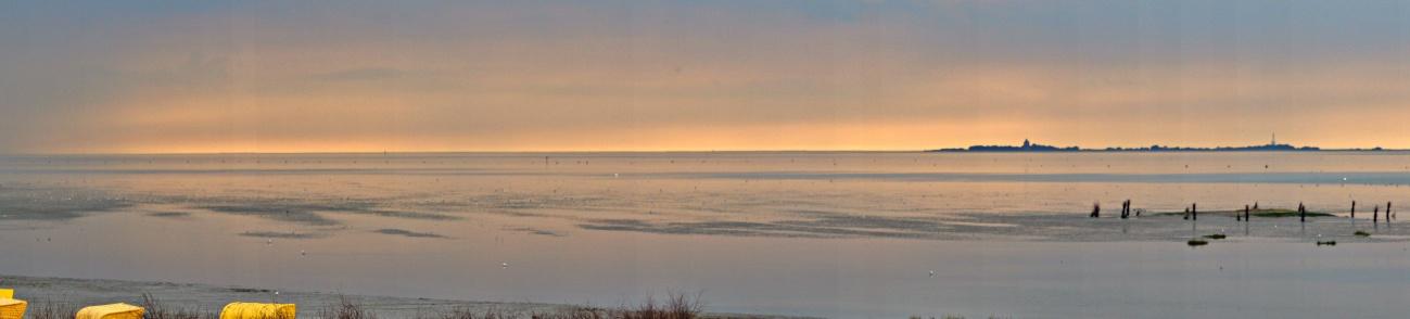 Zum Tagesabschluss -- Cuxhaven #2 -- Bild der Woche #89 (KW 36/2021) — Panorama mit Neuwerk