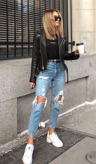 jeans y chaqueta negra
