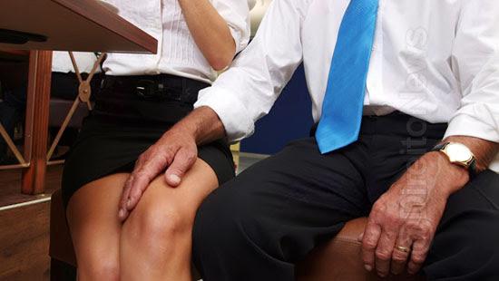 advogado obrigar clientes pagar honorarios sexo