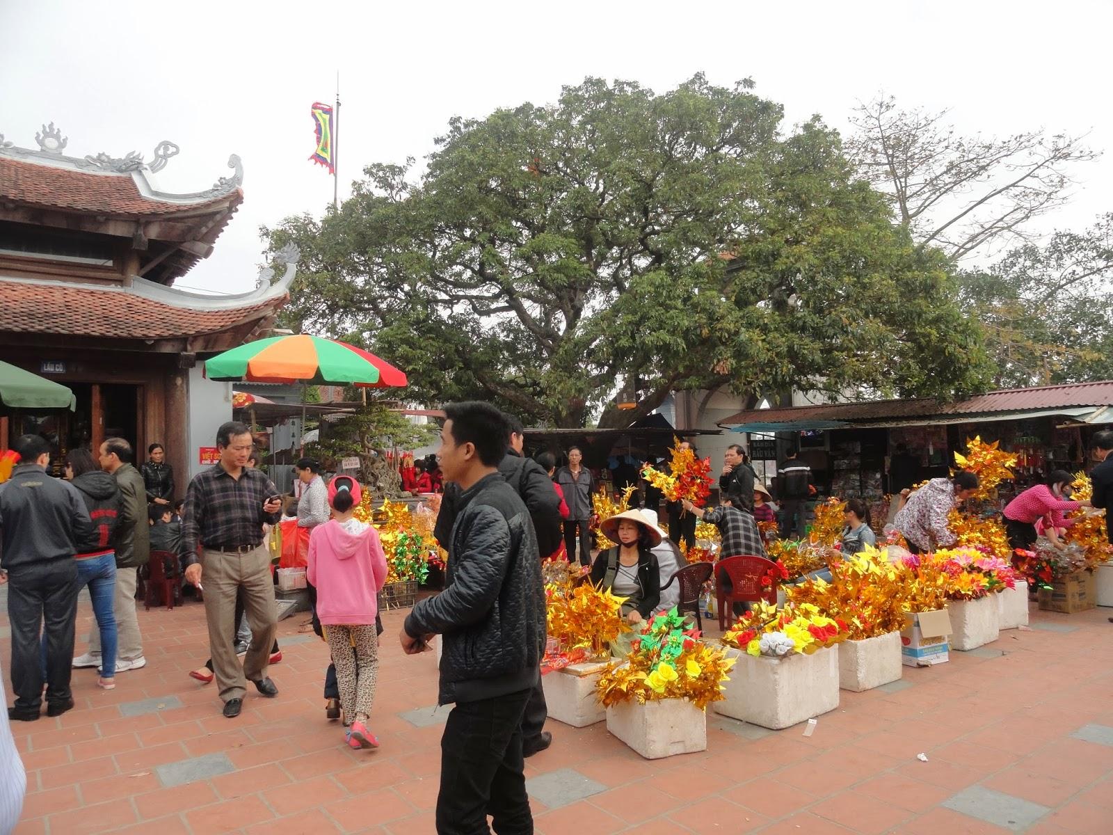 Chợ Viềng: Phương Mai Blog: CHỢ VIỀNG NĂM CHỈ MỘT PHIÊN