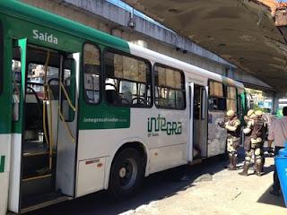 Na Bahia policial civil reage a assalto a ônibus e criminoso morre em confronto