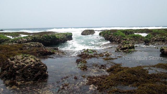 Inilah pemandangan pantai Ngunggah, Gunung Kidul