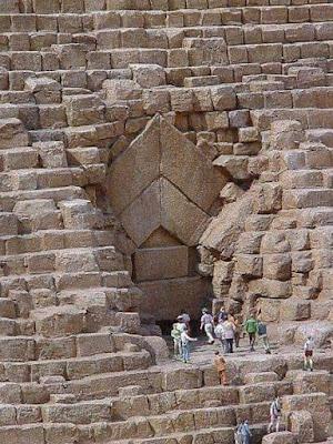 عاجل : بحث علمي يثبت بالدلائل أن بناة الأهرامات والمعابد قوم عاد و ليس الفراعنة