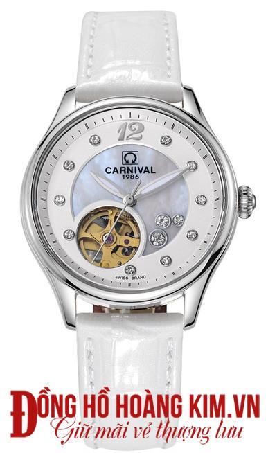 Đồng hồ carnoval có thiết kế và màu sắc đa dạng