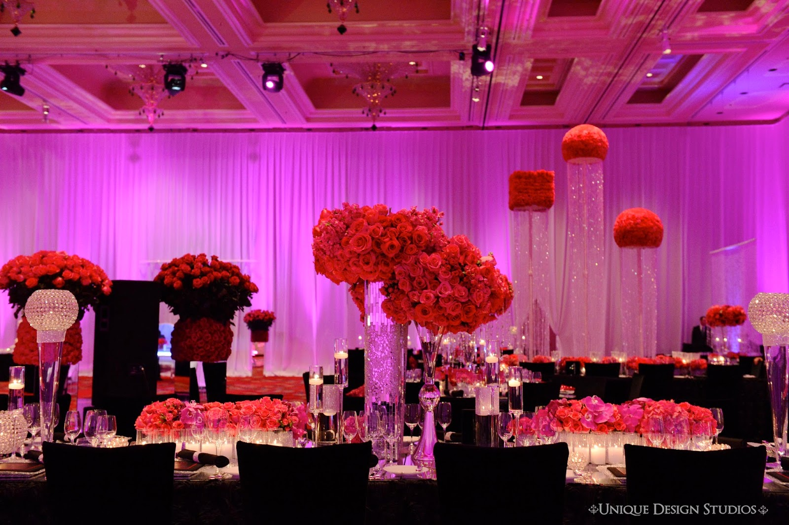Staying True To The Glitz And Glam Of Las Vegas This Stunning Wedding Reception Design By Tiffany Cook Utilized Perfect Amount Bling Major Color