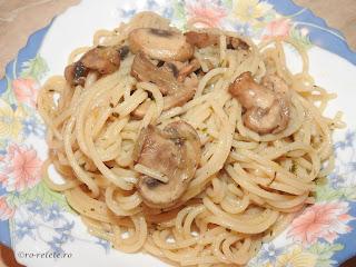 Spaghete cu legume si ciuperci de post reteta italiana traditionala retete culinare cu paste fainoase spirale melci penne retete si preparate culinare mancaruri de casa,