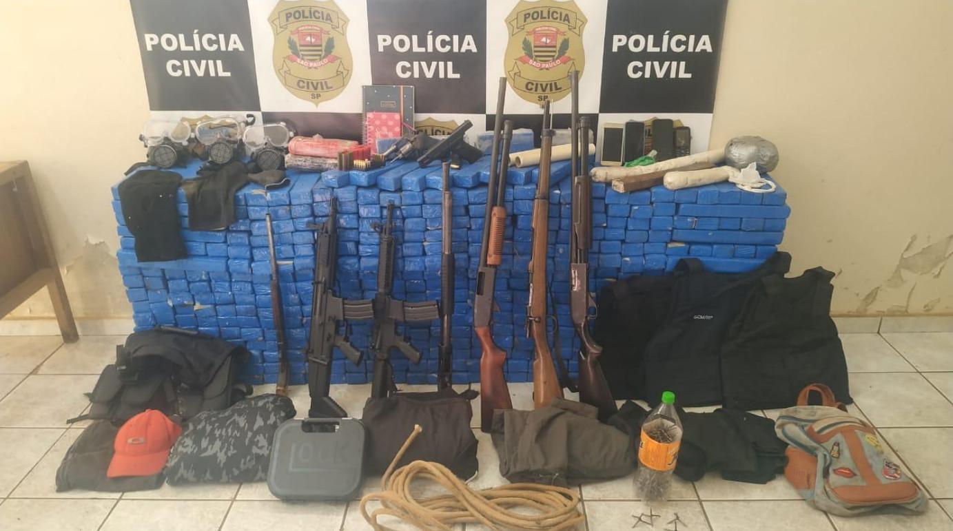 Polícia Civil detém quatro durante operação em Pitangueiras