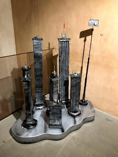 """""""Iterum""""展示作品、マンハッタンの街並み"""