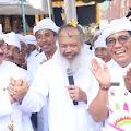 Wabup Sanjaya Dampingi Wagub Cok Ace Nyaksi Ngenteg Linggih di Desa Dalang dan Bantiran