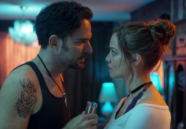 'Quem Matou Sara?': Homem busca vingança pela irmã na série de suspense da Netflix