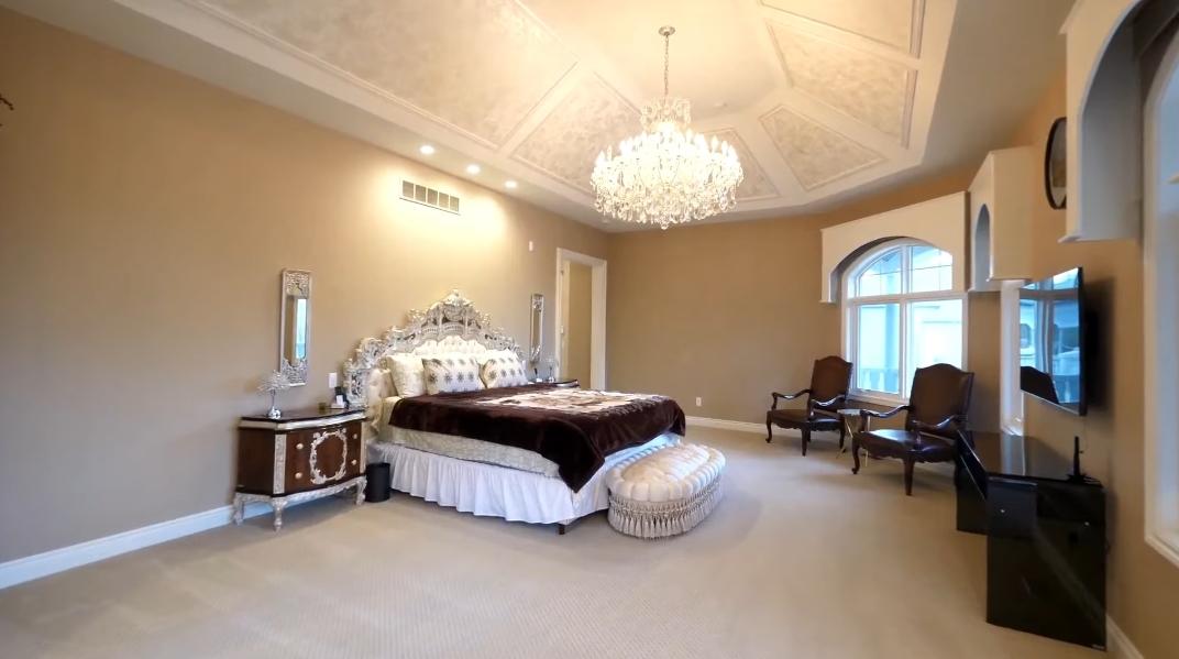 59 Photos vs. Tour 3499 Franklin Rd, Bloomfield Hills, MI Luxury Mansion Interior Design