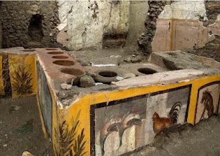 Scientists discover ancient frescoed hot food and drinks shop in city buried in volcanic eruption in 79AD - News