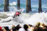 23 Carlos Munoz Vans US Open of Surfing foto WSL Kenneth Morris