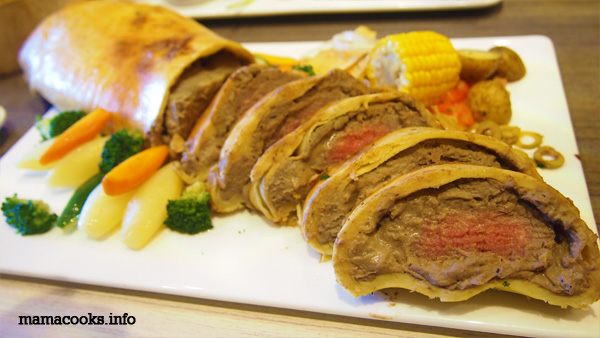 Beef Wellington at Vikings Buffet