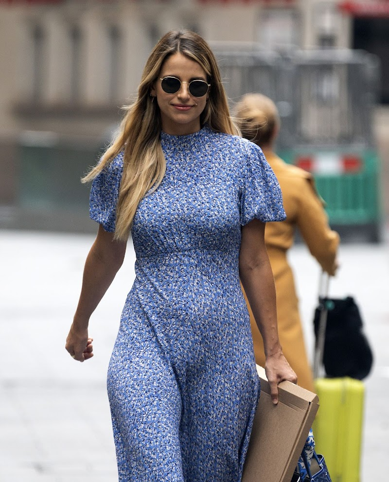 Vogue Williams Clicked Outside  in London 16 Aug -2020