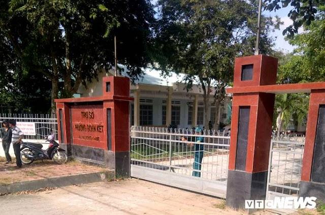 UBND phường đóng cửa để cơ quan điều tra làm việc