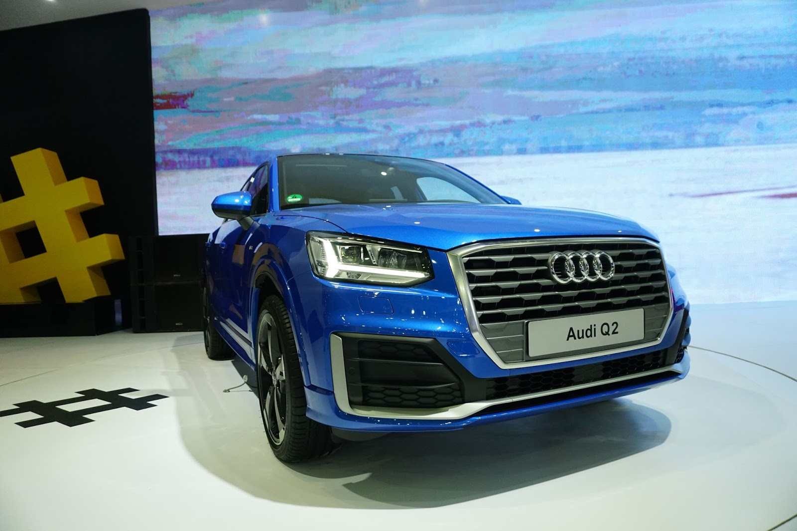 Đầu xe Audi Q2 đậm chất giống những chiếc Q khác của Audi